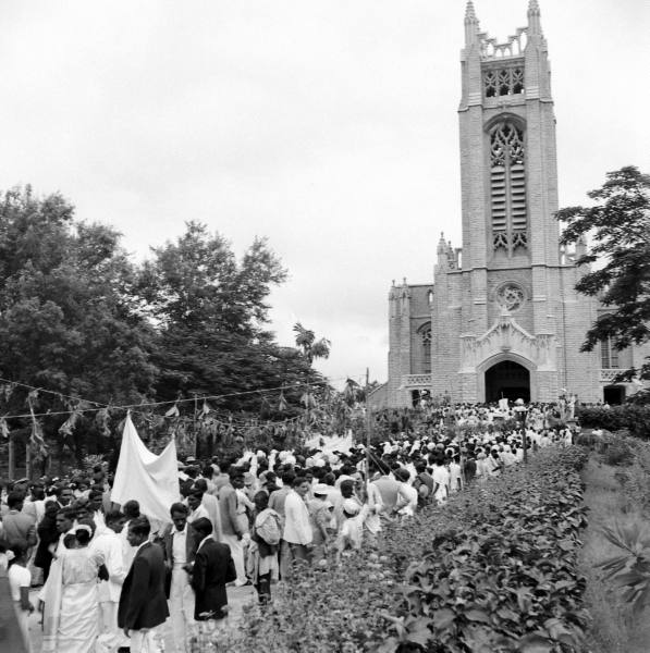 Inauguration procession of Church of South India. Photo by Mark Kauffman (LIFE magazine)