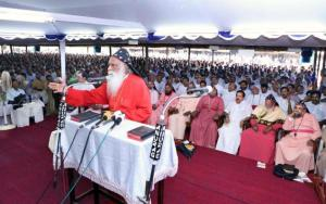 Joseph Mar Thoma Metropolitan speaking at the 118th Maramon Convention (2013). Photo by The Hindu